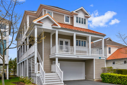 The Sand Dune is located in a private neighborhood with twelve homes.